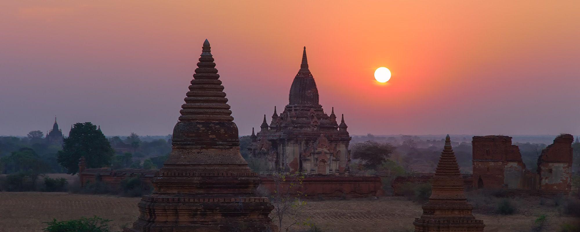 Sonnenaufgang in Bagan