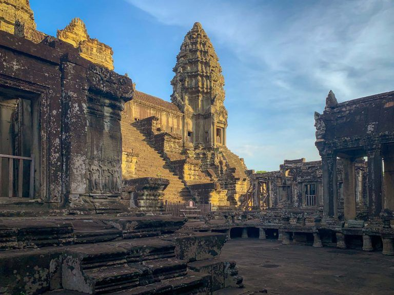 Tempel Ansicht im Sonnenaufgang