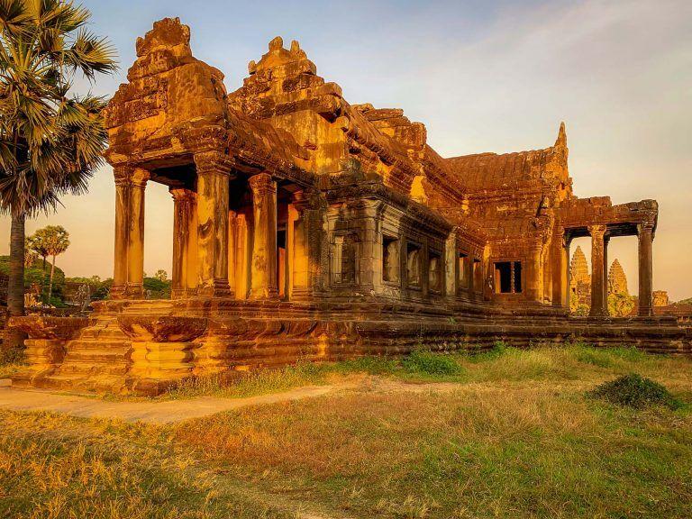 Tempel Ruinen im Sonnenaufgang