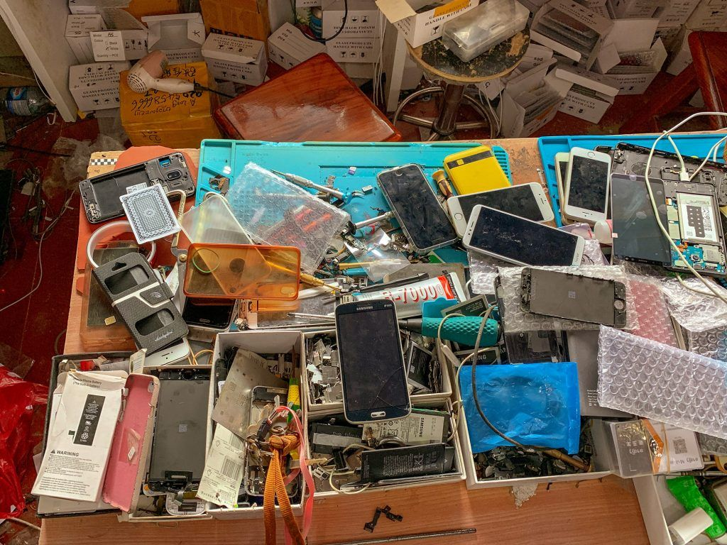 Mobiltelefon Werkstatt in Laos
