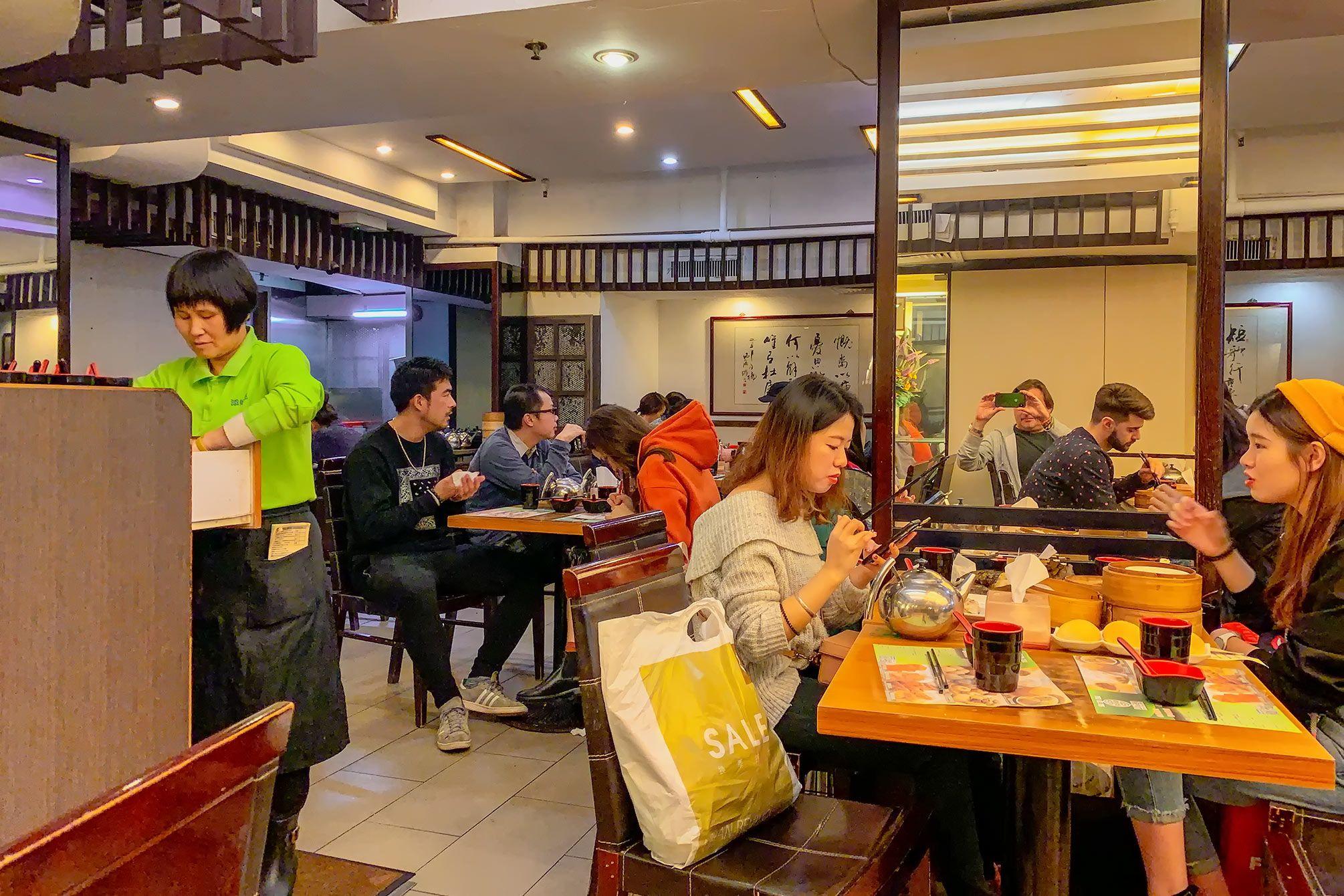 inside tim ho wan restaurant