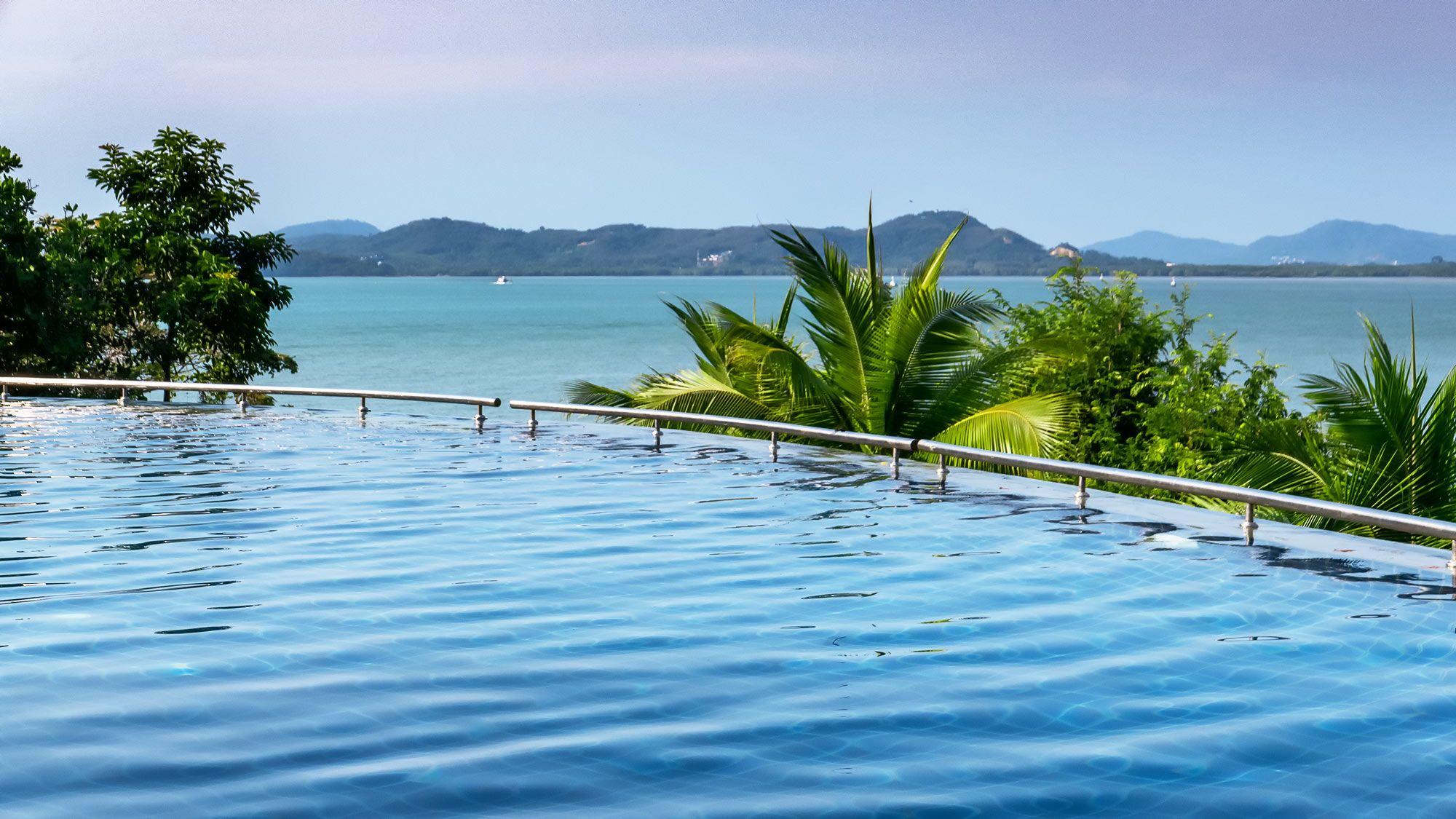 Infinity Pool Aussicht auf das Meer